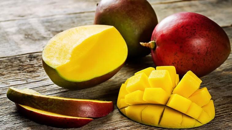 Najszybszy sposób na obranie dojrzałego mango