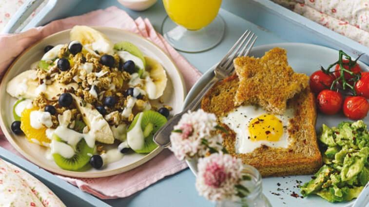 Owoce egzotyczne na śniadanie – odrobina lata w środku zimy